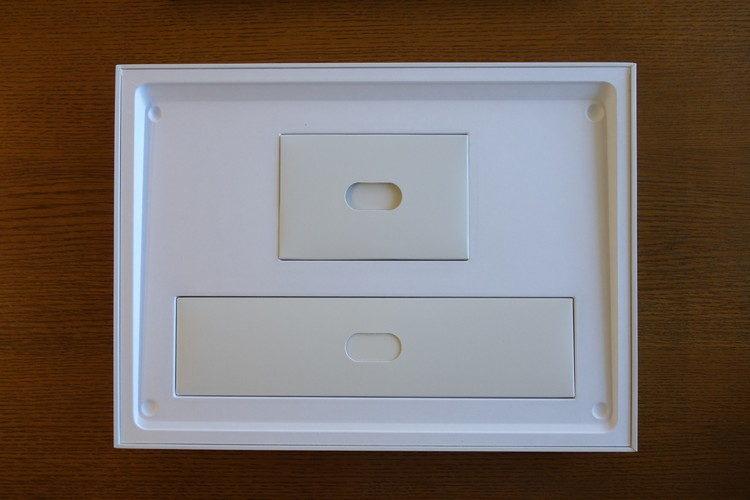 Surface Laptop 3 の付属品の画像